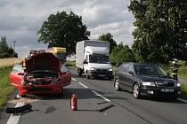 Viníkem nehody byla řidička červeného Fordu Puma
