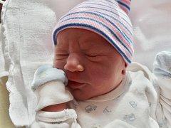 Filip Omcirk se narodil 5. listopadu ve 4:52 mamince Zdeňce a tatínkovi Vladislavovi z Tachova. Po příchodu na svět v plzeňské FN vážil bráška Jakuba, Patrika a Tomáše 3240 gramů a měřil 50 cm.