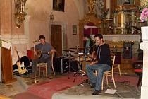 V sobotu se ve Starém Sedlišti konal koncert nové autorské trojice Romana Říčaře, Břetislava Veselého a Vítka Halšky.