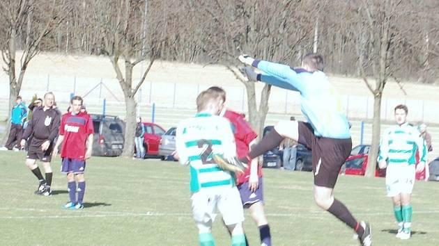 Fotbal:  V krajské soutěži 1. A třídy propadla Sparta Dlouhý Újezd v koncovce a prohrála s T. Přimda 1:2.
