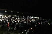 V letním kině Planá ochutnaly víno ze 3Bobulí stovky návštěvníků.