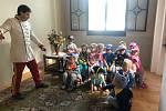 Děti mateřinky obdivovaly jízdárnu.