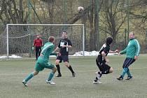 Přípravné utkání: FK Tachov (v zeleném) - Start Tlumačov (v černém) 0:6 (0:4).