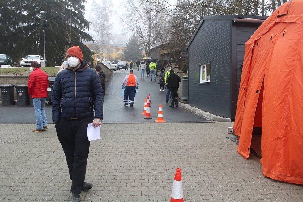 Nedělní testování pendlerů v Rozvadově a Tachově.