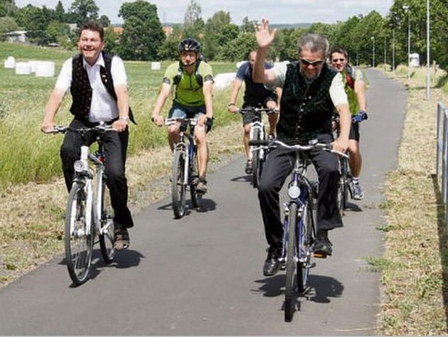 NOVOU cyklostezku si vyzkoušeli také představitelé bavorského partnerského městečka Pleystein.