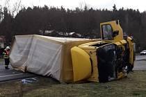 Ranní dopravní nehoda u Plané.
