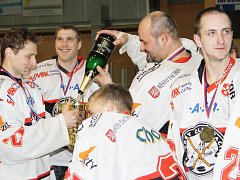 Pohár naplnili tachovští hokejisté sektem