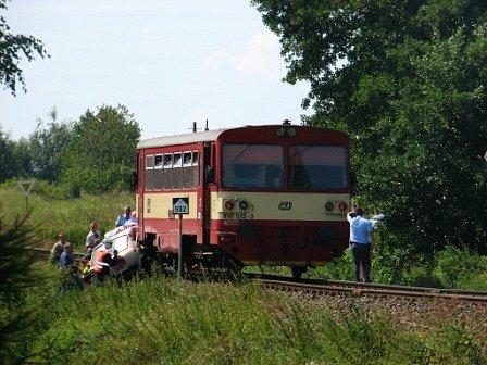 Nehoda vlaku s osobním vozem