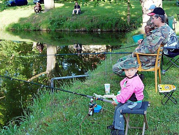 Najít děti se zájmem o rybaření není pro rybářské spolky rozhodně jednoduchou záležitostí.