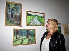 Malířka Ivrin Dušková vystavila obrazy v Oboře při příležitosti přeshraničního sympozia.