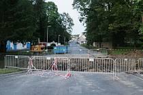 Pokračující oprava mostu v Plané v ulici Sadová.