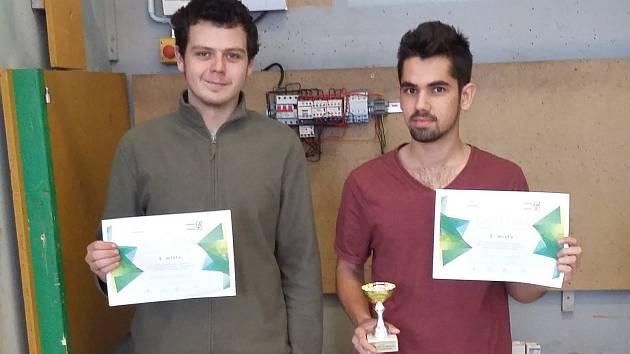 Josef Červeňák a Radek Matějček uspěli v soutěži elektrikářů.