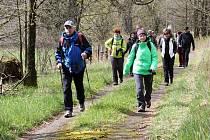 Už šestým rokem se pravidelně na jaře a na podzim chodí Špacír po Zlaté cestě.