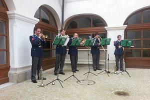 Trubači Pražského hradu se postarali o premiérový vstup borské Lorety do seznamu objektů Hudebního léta Borska.