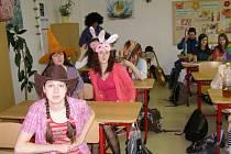 V lavicích seděly i čarodějnice