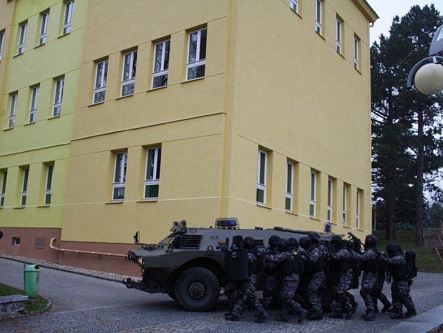 Cvičení složek IZS v Tachově.