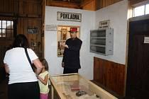 Muzeum má expozici uvnitř bývalého skladiště, některé exponáty jsou i venku.
