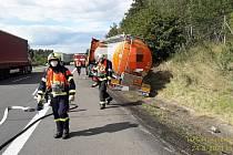 Nehoda cisterny na dálnici D5.