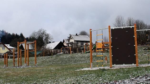 Přírodní hřiště na Oboře mají děti k dispozici od konce srpna.