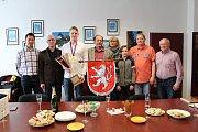 Filip Krasanovský, který se Škodou Plzeň získal juniorský titul mistra republiky, byl přijat na tachovské radnici.