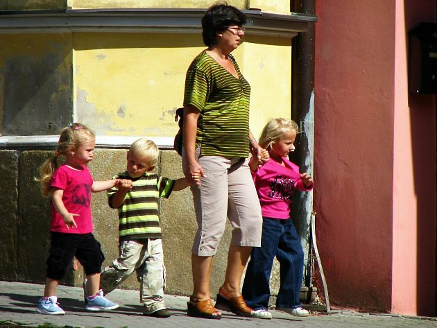 V Tachově na ulici: Cestou domů...