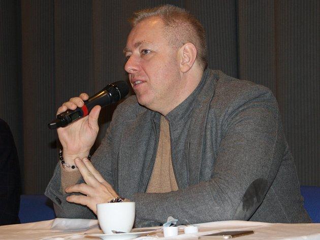 Ministr vnitra Milan Chovanec při besedě v Tachově.
