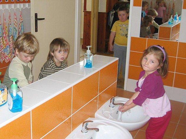 Nové sociální zázemí je v černošínské mateřince plně využíváno.