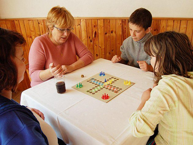 Účastníci turnaje v Člověče, nezlob se.