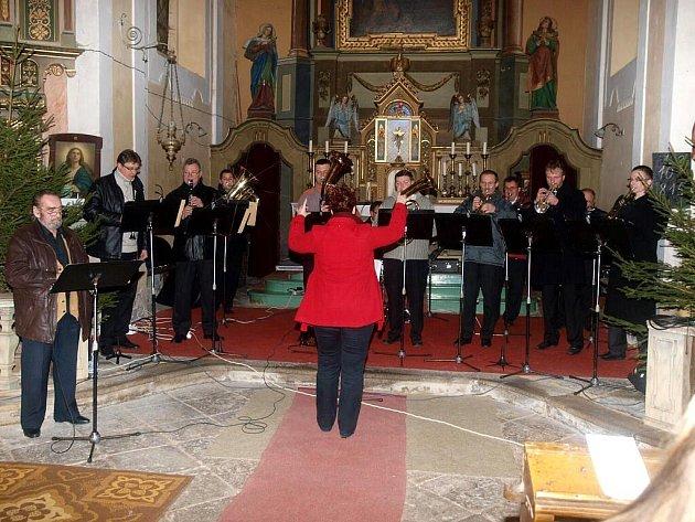 V kostele zahrála Chodovarka