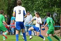 V krajském přeboru zvládli mladí fotbalisté FK Tachov předehrávku s SK Smíchov.
