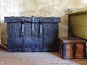Na Tachovský zámek se opět chystá rodina Windischgrätzů a opět bez zavazadel. Na snímku jsou ta, která by se knížecí rodině hodila.