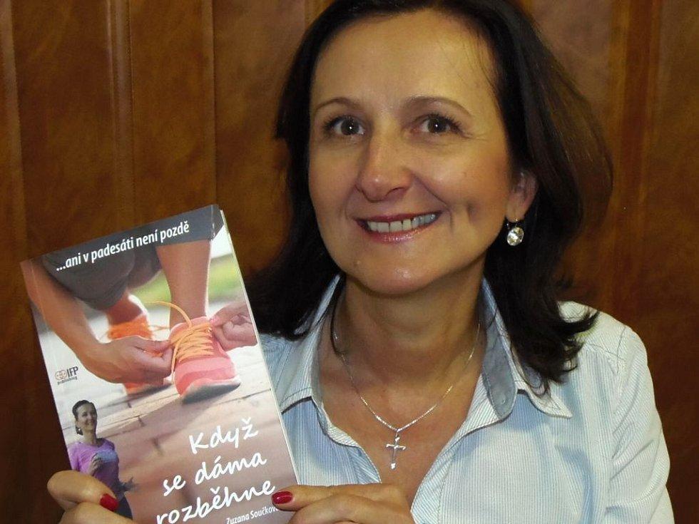 SPISOVATELKA Zuzana Součková vydala knihu s názvem Když se dáma rozběhne aneb Ani v padesáti není pozdě.