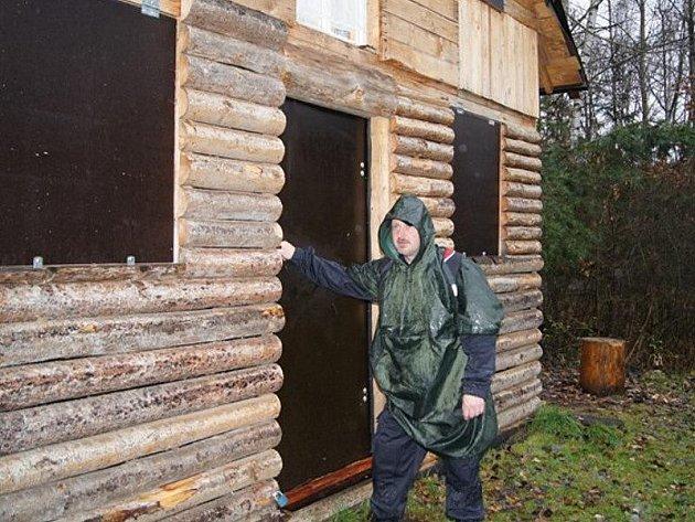 Policisté zkontrolovali při preventinví akci několik desítek chat v rekreačních oblastech na Tachovsku.