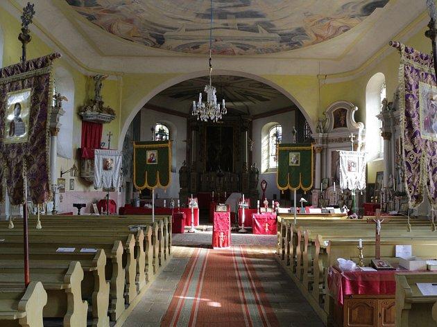 Kostel sv. Petra a Pavla v Milířích na Tachovsku.