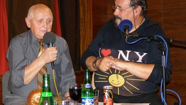 Na středeční odpoledne jistě nezapomene Miloslav Souček ze Stříbra. Blahopřát k narozeninám mu přišel  i Petr Novotný.