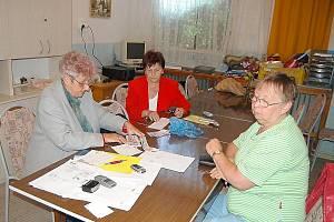 Tachovští postižení posílají do povodněmi postižení Putimi 15 tisíc korun