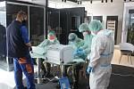 Testování zaměstnanců firmy Kermi Stříbro antigenními testy na covid-19.