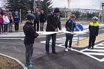 Nové dopravní hřiště v blízkosti Základní školy Zárečná je otevřeno. Během středečního odpoledne jej vyzkoušeli první návštěvníci.