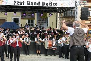 Dechový orchestr reprezentoval v Dačicích.