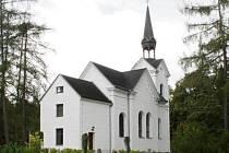 TERÉNNÍ ÚPRAVY kolem kostela, díky kterým vznikly i bezpečné chodníky, patří k nejviditelnějším počinům uplynulých let.