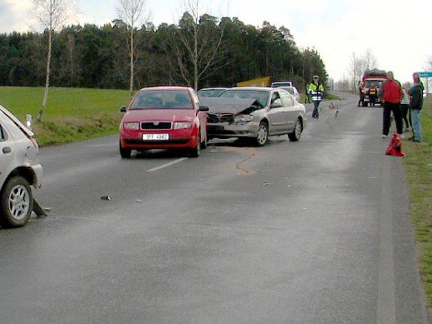Dopravní nehoda se stala v pondělí u odbočky na Nahý Újezdec.