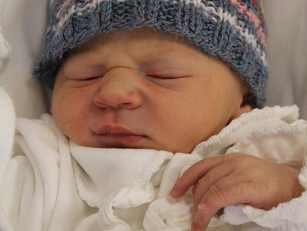 Matyáš (3,32 kg, 53 cm) se narodil 9. ledna ve 22:02 v plzeňské FN mamince Ivě Lindové  a tatínkovi Pavlu Jonášovi ze Stříbra. Doma se na svého brášku těší třináctiletý Michal.