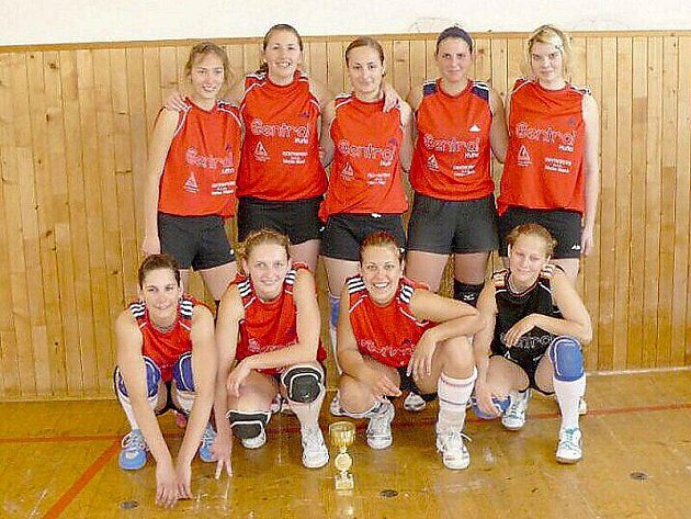 Volejbalistky VK Tachov prošly v play–off KP II. třídy až do finále a tam dokázaly vyhrát