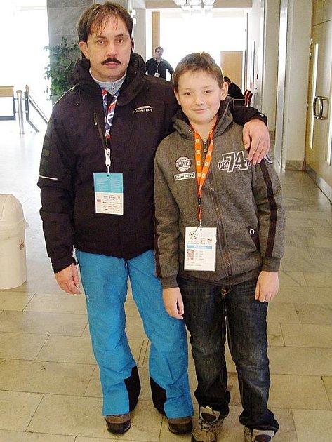 Členem reprezentace kraje na Zimní olympiádě dětí a mládeže v Moravskoslezském kraji byl šachista Václav Truksa a členem vedení Josef Kožnar.