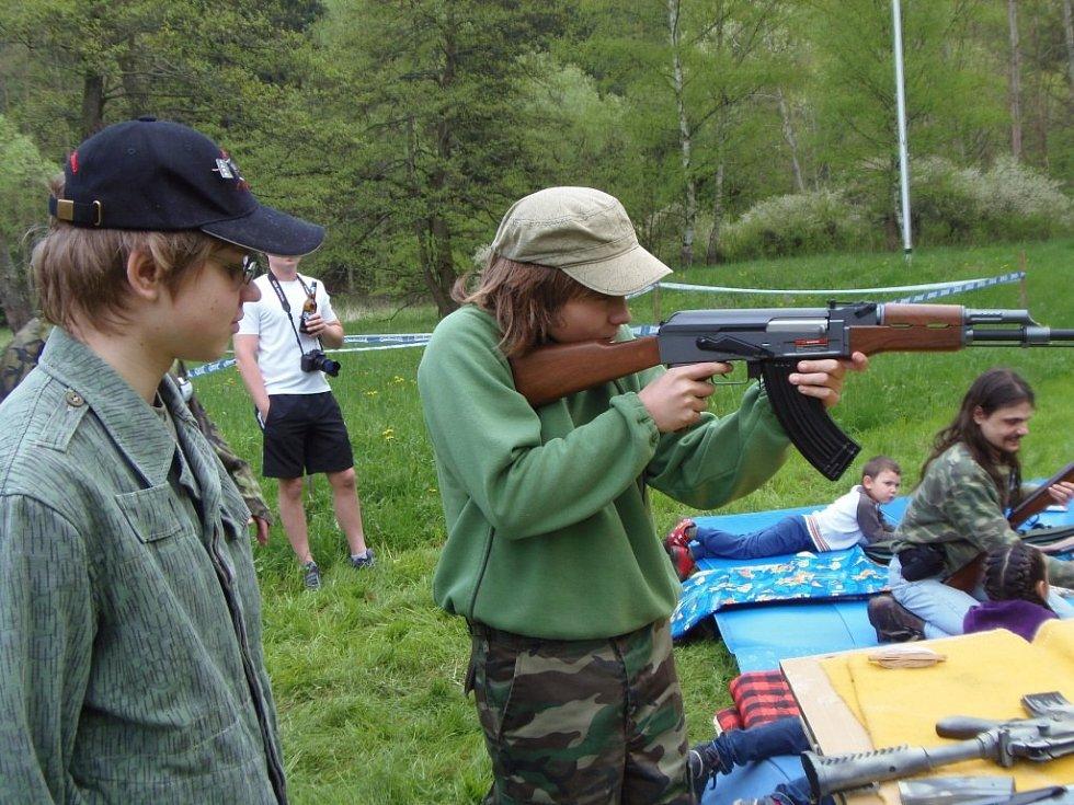 Sportovní střelecký klub Stříbro připravil na sváteční den 8. května první ročník Střeleckého dne.