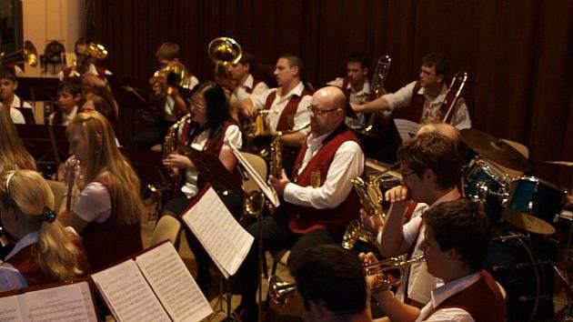 Ve stříbrském kulturním domě se konal již osmnáctý ročník Přehlídky mládežnickcýh orchestrů.