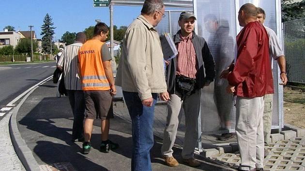 NOVÁ AUTOBUSOVÁ zastávka je první zastávkou ve Stříbře, která je bezbariérová.