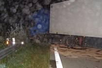 Nehoda kamionu u Rozvadova.