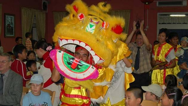 Vietnamská komunita na Tachovsku slavila svátek dětí.