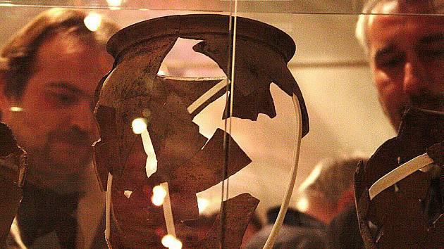 Muzeum Českého lesa v Tachově přibližuje návštěvníkům archeologický výzkum místa bývalé Rybeny.